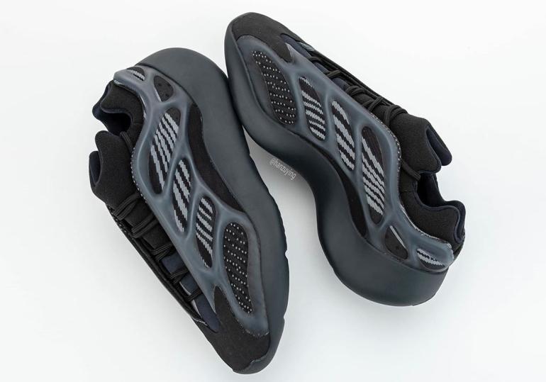 adidas-Yeezy-700-v3-H67799-photos-6