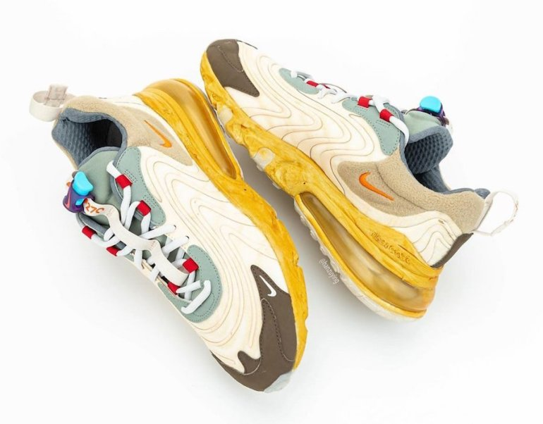 Travis-Scott-Nike-Air-Max-270-React-CT2864-200-2