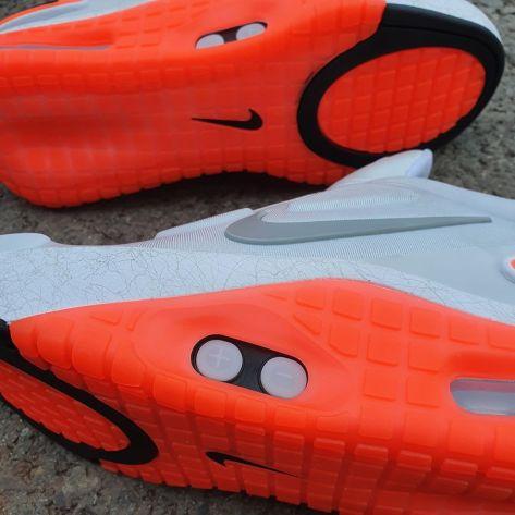 nike-adapt-le-01-white-orange-release-date-cz0232-002-sole